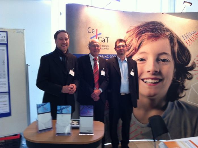 Geschäftsführer Wolfgang Kleinmann mit Gerald Tomenendal und Dr. Christian Wilhelm am CeGaT-Stand (© Bildnachweis: CeGaT GmbH)